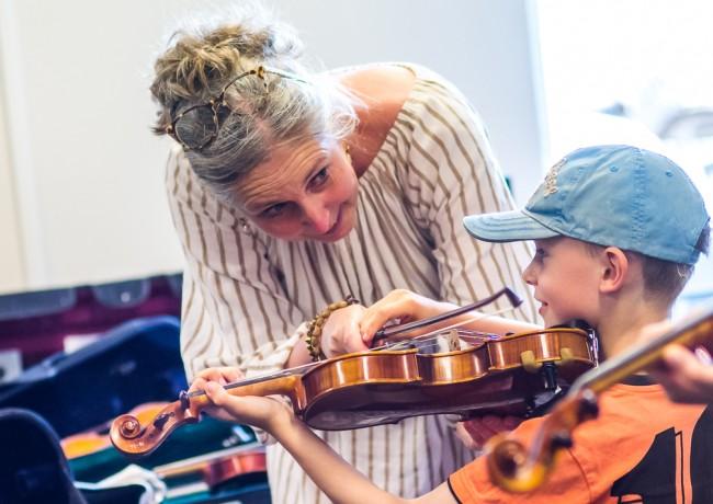 Muziekles bij Oyfo